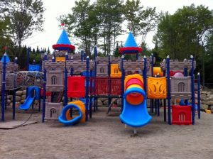 camping-familial-complexe-atlantide-parc-chateau-fort