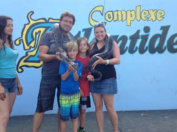 http://www.campingatlantide.com/wp-content/uploads/2017/02/1-animaux-exotique-camping-familial-complexe-atlantide-.jpg