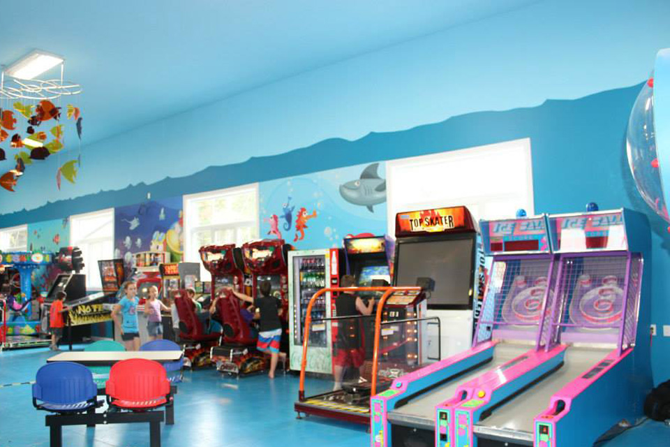 http://www.campingatlantide.com/wp-content/uploads/2017/02/arcades.jpg