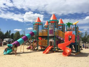 camping-familial-complexe-atlantide-lac-plage-6