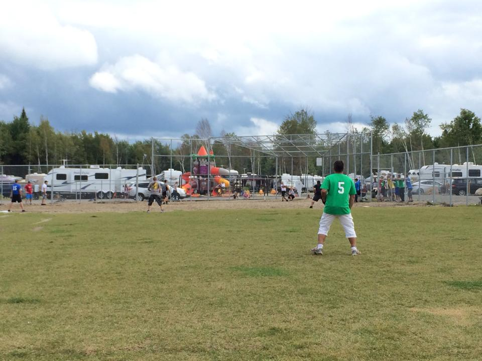 http://www.campingatlantide.com/wp-content/uploads/2017/02/terrain-baseball-camping-atlantide-2.jpg