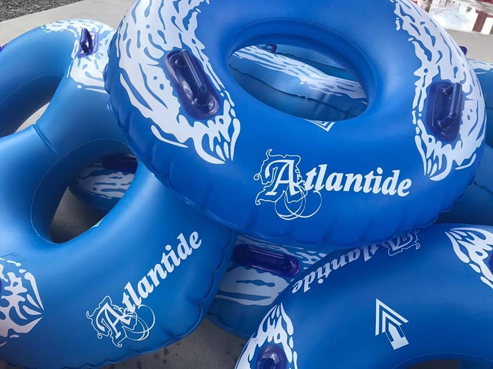 http://www.campingatlantide.com/wp-content/uploads/2017/06/glissades-eau-camping-atlantide-3.jpg