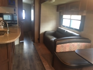 http://www.campingatlantide.com/wp-content/uploads/2017/08/roulotte-117-12.jpeg