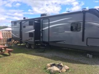 http://www.campingatlantide.com/wp-content/uploads/2017/08/roulotte-117-15.jpeg