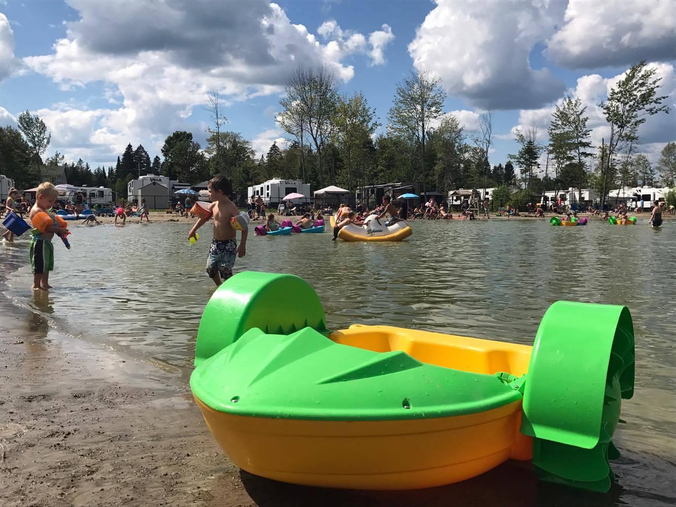 http://www.campingatlantide.com/wp-content/uploads/2018/01/beach-party-2017-complexe-atlantide-10.jpg