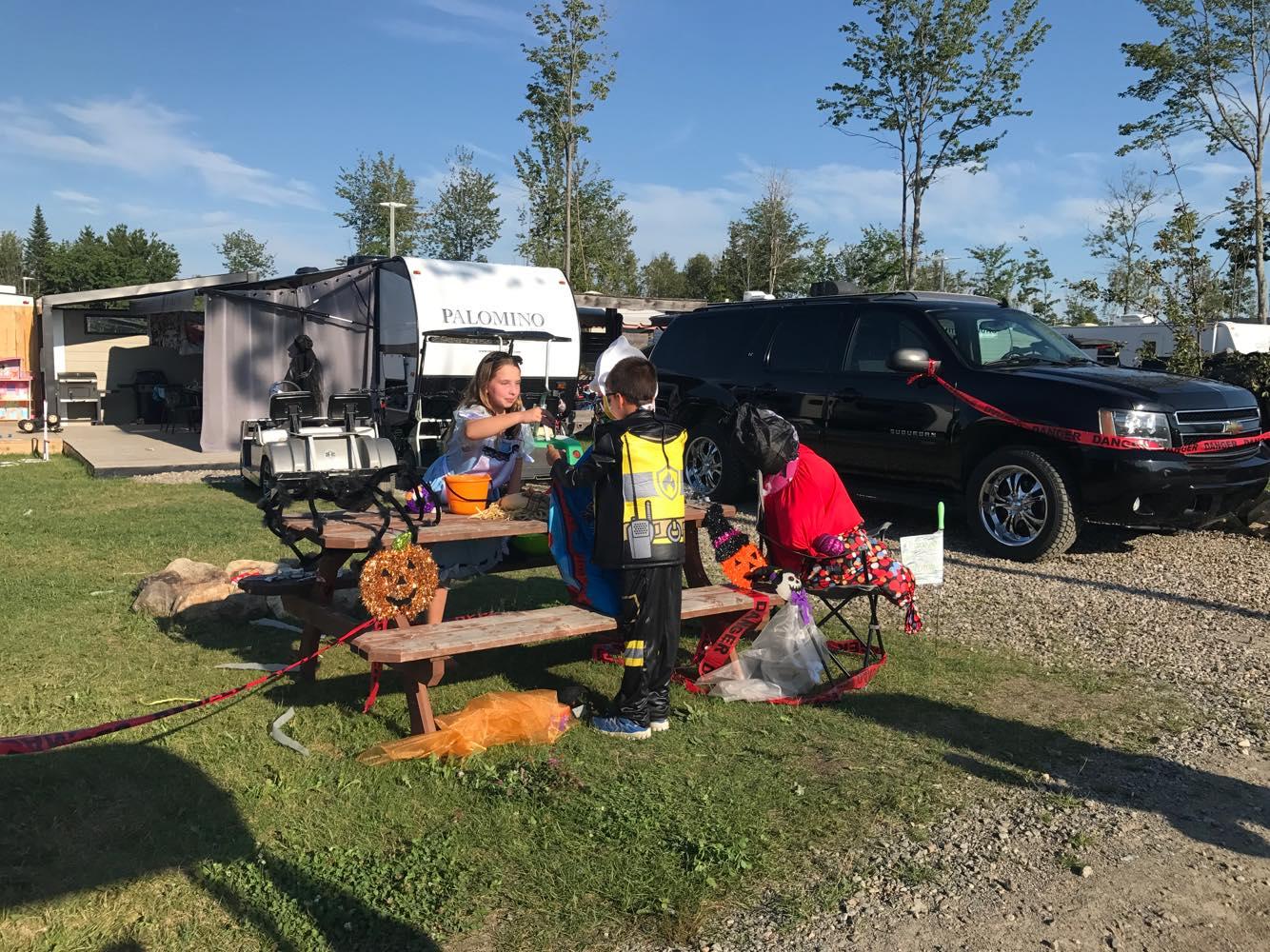 http://www.campingatlantide.com/wp-content/uploads/2018/08/halloween-complexe-atlantide-2018-1.jpg