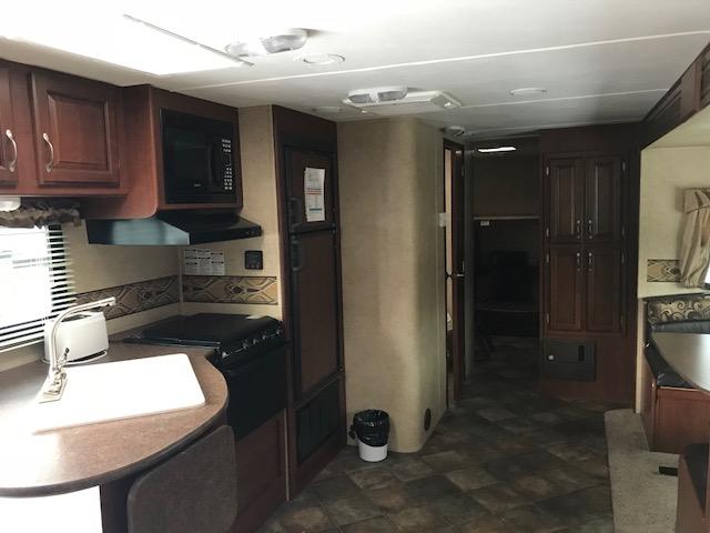 http://www.campingatlantide.com/wp-content/uploads/2018/12/263-cuisine-salon-1.jpg