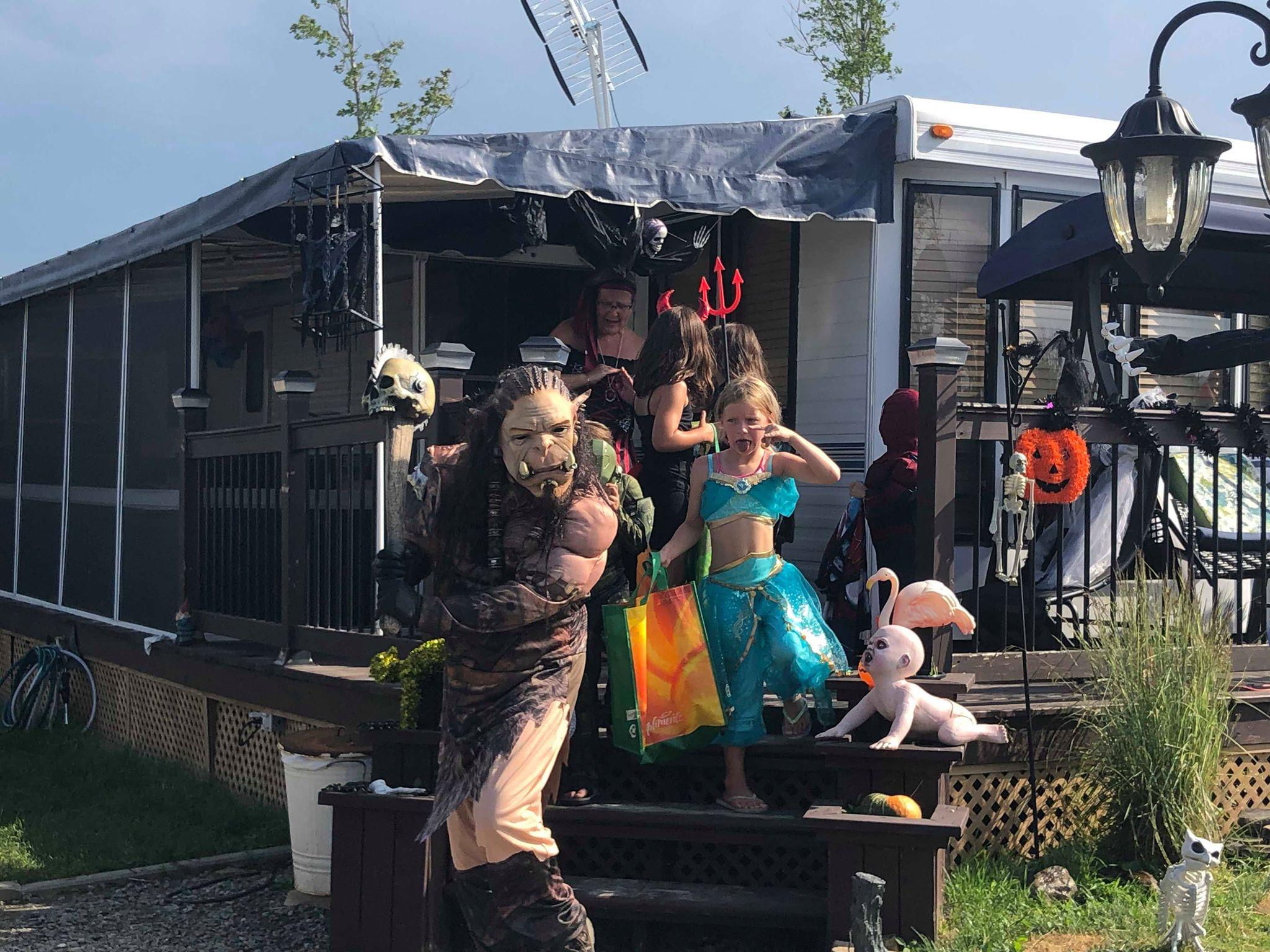 http://www.campingatlantide.com/wp-content/uploads/2019/07/halloween-complexe-atlantide-2019-15.jpg