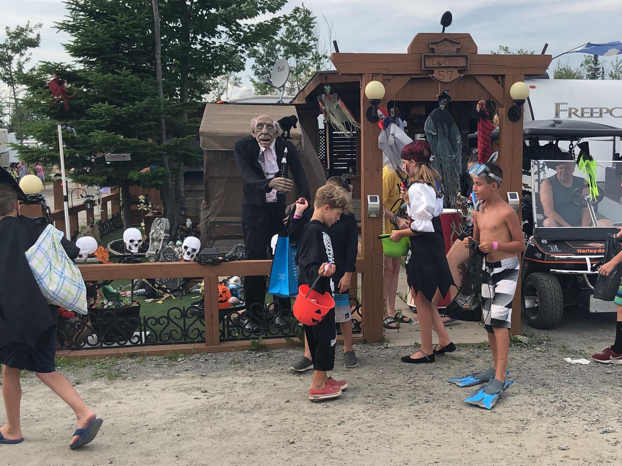 http://www.campingatlantide.com/wp-content/uploads/2019/07/halloween-complexe-atlantide-2019-55.jpg