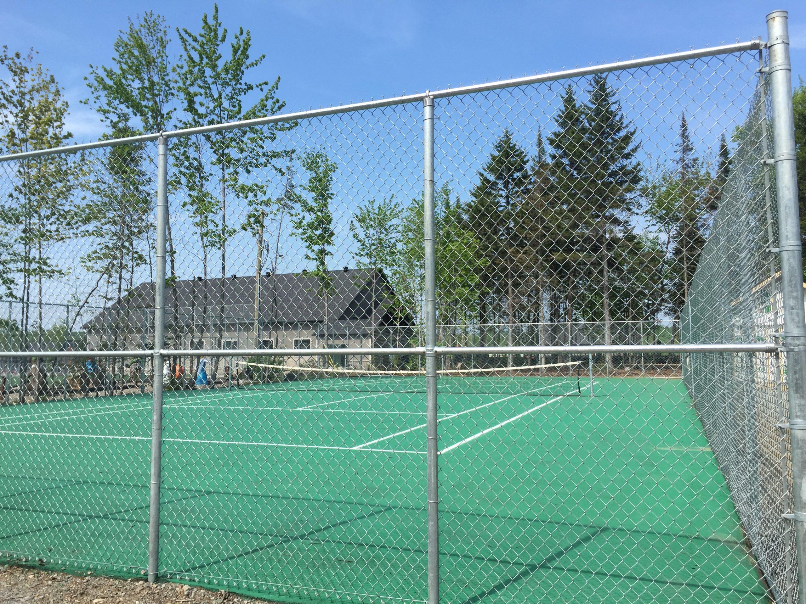 http://www.campingatlantide.com/wp-content/uploads/2020/04/tennis-scaled.jpg